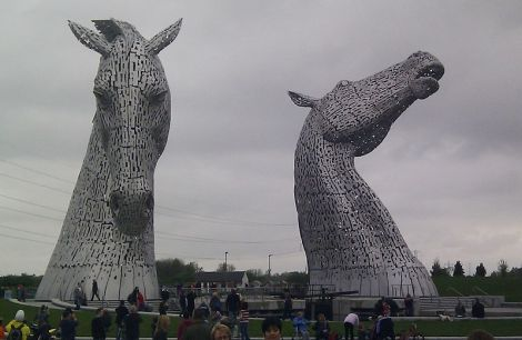 The_Kelpies,_Falkirk,_Scotland