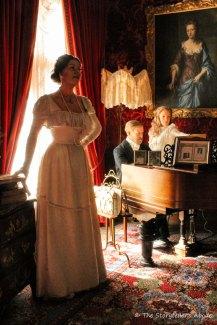 1898 piano scene