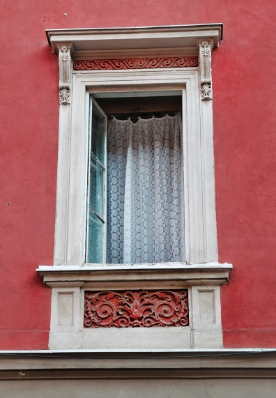 window-720148_1280