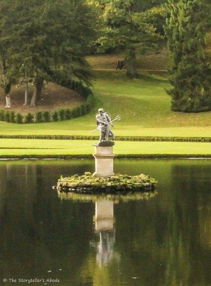 neptune statue