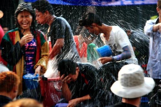raining-977210_640