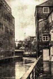waterside buildings_FotoSketcher2.2