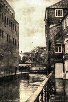 waterside buildings_FotoSketcher2.2