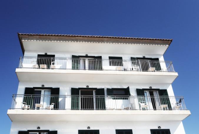 public-domain-images-free-stock-photos-palma-fruits-sun-apartments-white-building-1000x673